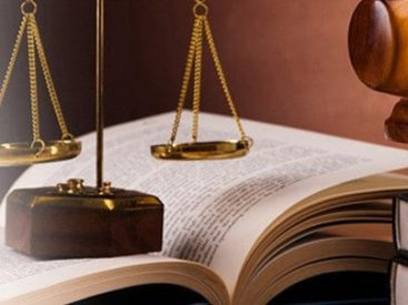 Anulado el límite por libre designa de abogado al existir conflicto de intereses