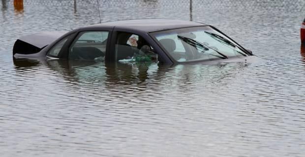 coches-inundados-reparacion