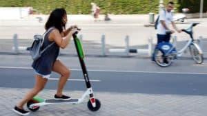 patinete eléctrico circulando